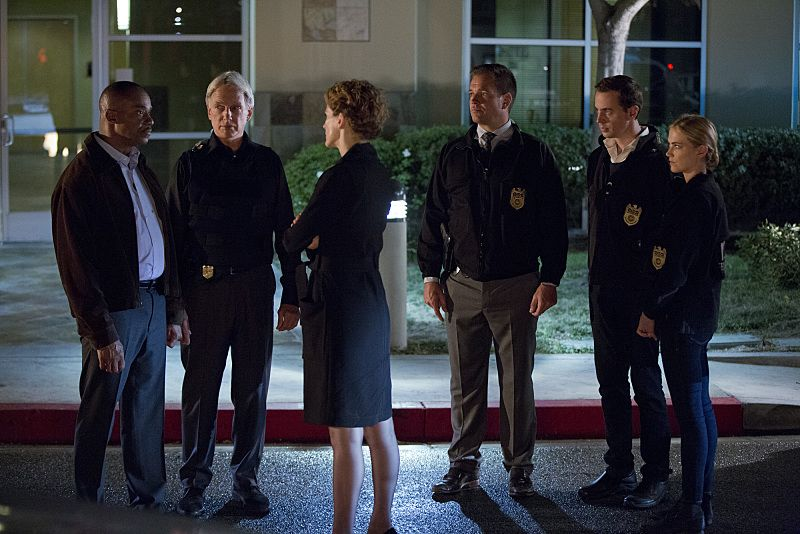 """Double Trouble"" -- Vance partners with Gibbs and returns to field duty when a murder case is connected to a former NCIS agent he locked up for stealing evidence, on NCIS, Tuesday, Oct. 13 (8:00-9:00 PM, ET/PT), on the CBS Television Network. Pictured left to right: Rocky Carroll, Mark Harmon, Leslie Hope, Michael Weatherly, Sean Murray and Emily Wickersham Photo: Monty Brinton/CBS ©2015 CBS Broadcasting, Inc. All Rights Reserved"