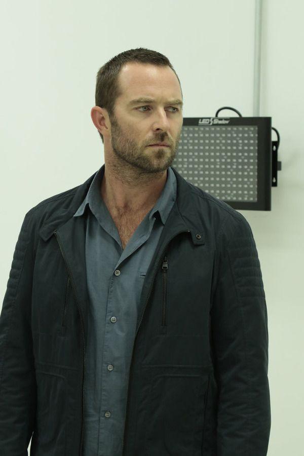 "BLINDSPOT -- ""Bone May Rot"" Episode 104 -- Pictured: Sullivan Stapleton as Kurt Weller -- (Photo by: Giovanni Rufino/NBC)"