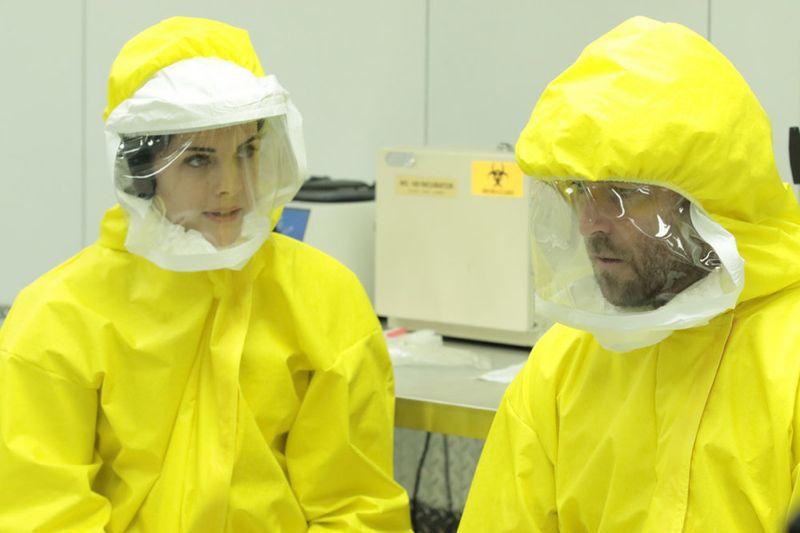 "BLINDSPOT -- ""Bone May Rot"" Episode 104 -- Pictured: (l-r) Jaimie Alexander as Jane Doe, Sullivan Stapleton as Kurt Weller -- (Photo by: Giovanni Rufino/NBC)"