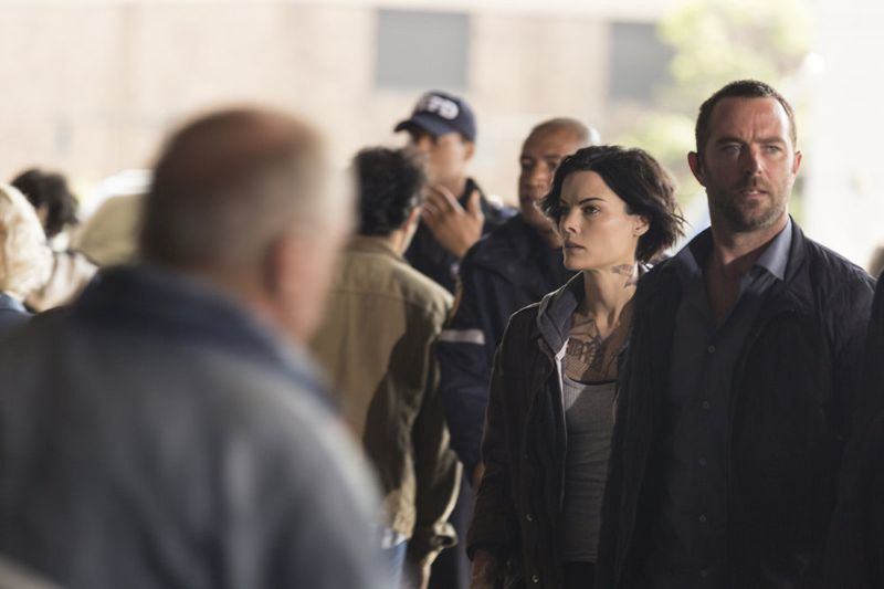 "BLINDSPOT -- ""Bone May Rot"" Episode 104 -- Pictured: (l-r) Jaimie Alexander as Jane Doe, Sullivan Stapleton as Kurt Weller -- (Photo by: Christopher Saunders/NBC)"