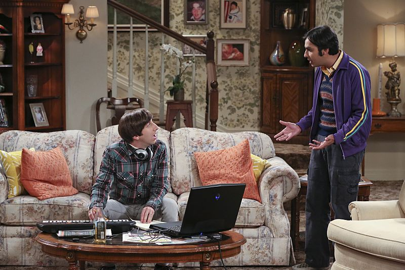 """""""The 2003 Approximation"""" -- Howard (Simon Helberg, left) and Raj (Kunal Nayyar, right) form a band to play at the Comic Book Store, on THE BIG BANG THEORY, Monday, Oct. 12 (8:00-8:31 PM, ET/PT), on the CBS Television Network. Photo: Darren Michaels/Warner Bros. Entertainment Inc. © 2015 WBEI. All rights reserved."""