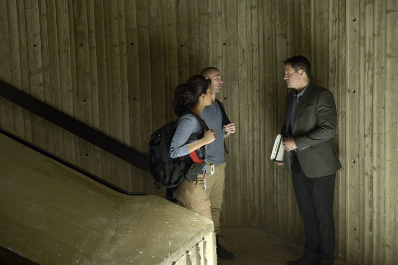 """QUANTICO - """"Cover"""" - At Quantico, Alex finally receives information about her father and his FBI past, but in the future it's her mother, Sita, who plays a key role when Liam convinces her to participate in a press conference on national television begging Alex to turn herself in. Also at """"Quantico,"""" the NATS learn the art of profiling and focus on their classmates' strengths and weaknesses, ultimately challenging their confidence and comradery, on """"Quantico"""" SUNDAY, OCTOBER 11 (10:00--11:00 p.m., ET) on the ABC Television Network. (ABC/Phillipe Bosse) PRIYANKA CHOPRA, JAKE MCLAUGHLIN, JOSH HOPKINS"""