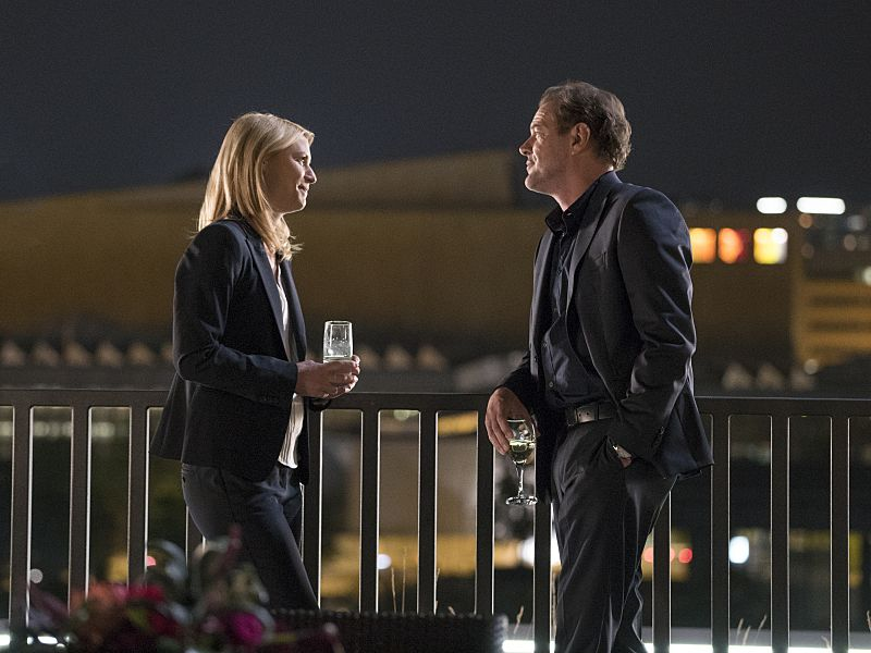 Claire Danes as Carrie Mathison and Sebastian Koch as Otto During in Homeland (Season 5, Episode 2). - Photo: Stephan Rabold/SHOWTIME - Photo ID: Homeland_502_5134.R