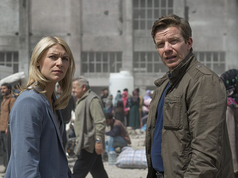 Claire Danes as Carrie Mathison and Max Beesley as Mike Brown in Homeland (Season 5, Episode 02). - Stephan Rabold/SHOWTIME - Photo ID: Homeland_502_0832.R