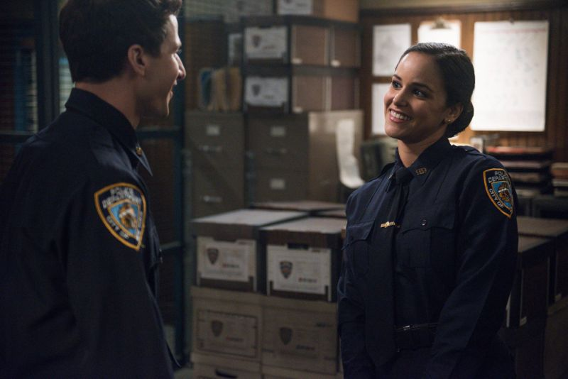 """BROOKLYN NINE-NINE: (L-R) Jake (Andy Samberg) and Amy (Melissa Fumero) in the """"The Funeral"""" episode of BROOKLYN NINE-NINE airing Sunday, Oct. 4 (8:30-9:00 PM ET/PT) on FOX. ©2015 Fox Broadcasting Co. CR: Eddy Chen/FOX."""