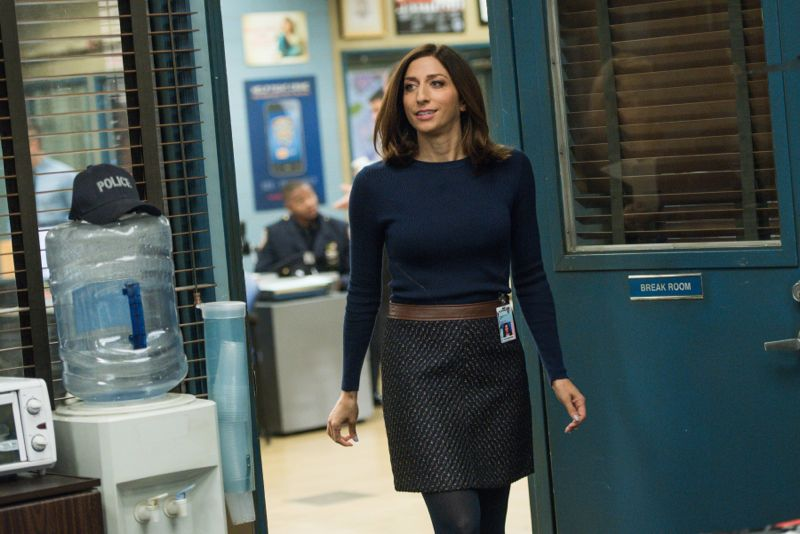 """BROOKLYN NINE-NINE: Gina (Chelsea Peretti) in the """"The Funeral"""" episode of BROOKLYN NINE-NINE airing Sunday, Oct. 4 (8:30-9:00 PM ET/PT) on FOX. ©2015 Fox Broadcasting Co. CR: Eddy Chen/FOX."""