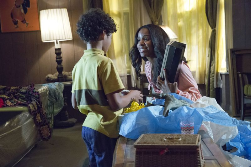 "EMPIRE: Pictured L-R: Guest stars Shannon Brown as Young Dwight Walker and Kelly Rowland as Leah in the ""Fires Of Heaven"" episode of EMPIRE airing Wednesday, Oct. 7 (9:00-10:00 PM ET/PT) on FOX. ©2015 Fox Broadcasting Co. Cr: Chuck Hodes/FOX."