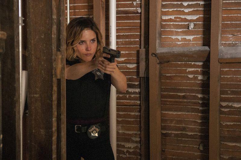 "CHICAGO P.D. -- ""Natural Born Storyteller"" Episode 302 -- Pictured: Sophia Bush as Erin Lindsay -- (Photo by: Matt Dinerstein/NBC)"