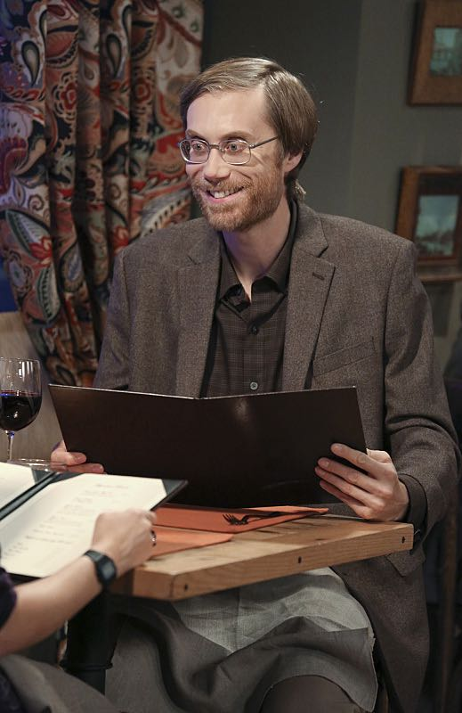 """""""The Mystery Date Observation"""" -- When Amy is coy with details about a guy she is dating, Penny and Bernadette decide to spy, on THE BIG BANG THEORY, Thursday, Nov. 12 (8:00-8:31 PM, ET/PT), on the CBS Television Network. Pictured: Stephen Merchant guest stars as the mystery man, Dave Photo: Michael Yarish/Warner Bros. Entertainment Inc. © 2015 WBEI. All rights reserved."""