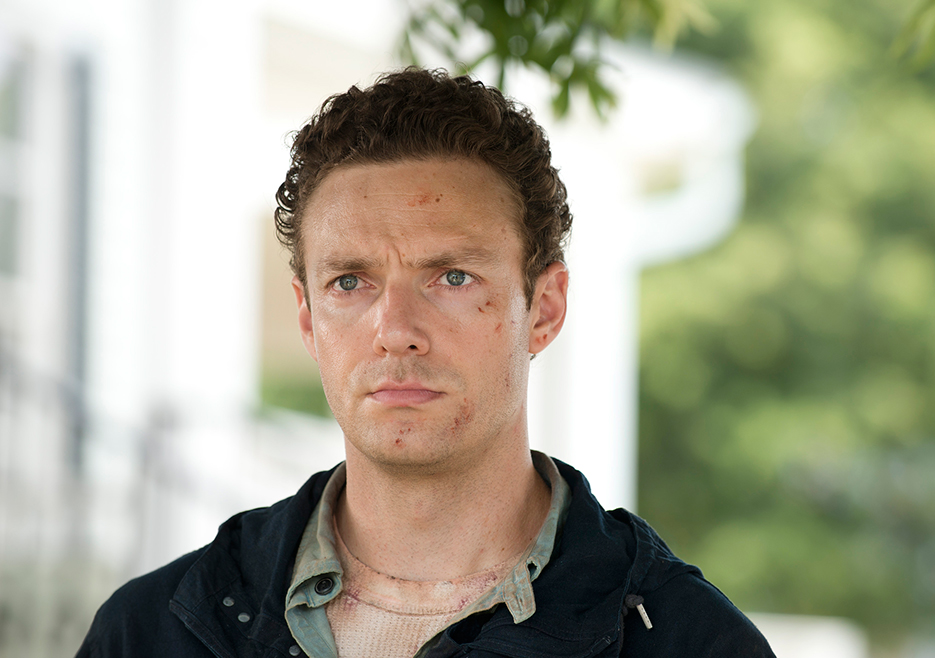 the-walking-dead-episode-605-aaron-Marquand-935