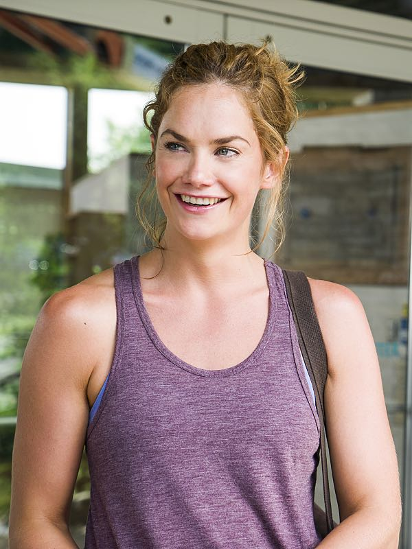 Ruth WIlson as Alison in The Affair (season 2, episode 6). - Photo: Mark Schafer/SHOWTIME - Photo ID: TheAffair_206_6261