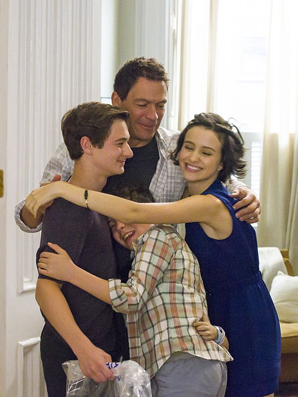 Jake Richard Siciliano as Martin, Jadon Sand as Trevor, Dominic West as Noah and Julia Goldani Telles as Whitney in The Affair (season 2, episode 6). - Photo: Mark Schafer/SHOWTIME - Photo ID: TheAffair_206_1097