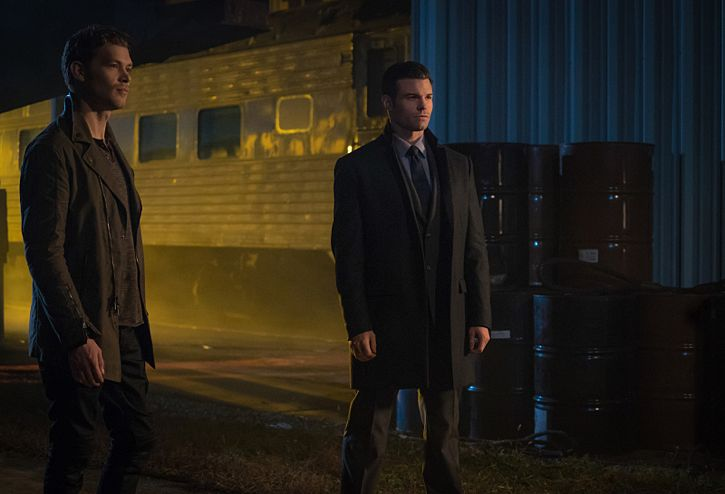 """The Originals -- """"A Streetcar Named Desire"""" -- Image Number: OG314a_0068.jpg -- Pictured (L-R): Joseph Morgan as Klaus and Daniel Gillies as Elijah -- Photo: Annette Brown/The CW -- © 2016 The CW Network, LLC. All rights reserved."""