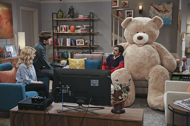 """The Big Bear Precipitation"" -- When Koothrappali (Kunal Nayyar, right) goes overboard with pregnancy gifts, Wolowitz (Simon Helberg, center) and Bernadette (Melissa Rauch, left) must draw the line, on THE BIG BANG THEORY, Thursday, April 7 (8:00-8:31 PM, ET/PT) on the CBS Television Network. Photo: Michael Yarish/Warner Bros. Entertainment Inc. © 2016 WBEI. All rights reserved."