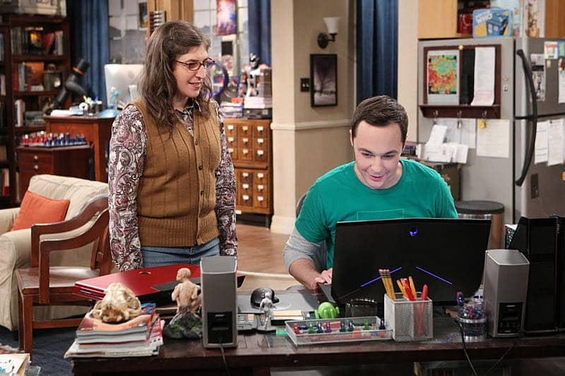 """""""The Solder Excursion Diversion"""" -- Amy (Mayim Bialik, left) is shocked at a revelation from Sheldon (Jim Parsons, right) after she buys him a new laptop, on THE BIG BANG THEORY, Thursday, March 31 (8:00-8:31 PM, ET/PT) on the CBS Television Network. Photo: Sonja Flemming/CBS ©2016 CBS Broadcasting, Inc. All Rights Reserved"""