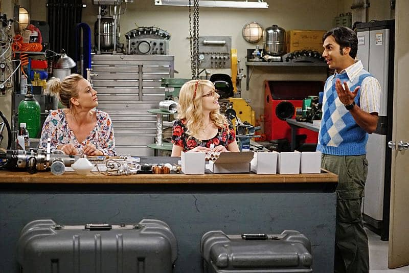 """""""The Solder Excursion Diversion"""" --Koothrappali (Kunal Nayyar, right) sells out Leonard and Wolowitz after they lie to their wives in order to attend an early screening of a movie, on THE BIG BANG THEORY, Thursday, March 31 (8:00-8:31 PM, ET/PT) on the CBS Television Network. Pictured left to right: Kaley Cuoco, Melissa Rauch and Kunal Nayyar Photo: Sonja Flemming/CBS ©2016 CBS Broadcasting, Inc. All Rights Reserved"""