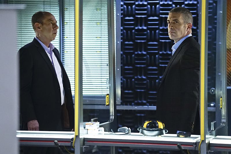 """""""Seoul Man"""" -- Pictured: Miguel Ferrer (NCIS Assistant Director Owen Granger) and Andrew Traver (NCIS Special Agent Gates). While assigned to protective details for the commander of the Pacific Command, the team searches for a North Korean spy, on NCIS: LOS ANGELES, Monday, March 28 (9:59-11:00, ET/PT), on the CBS Television Network. Photo: Sonja Flemming/CBS ©2016 CBS Broadcasting, Inc. All Rights Reserved"""