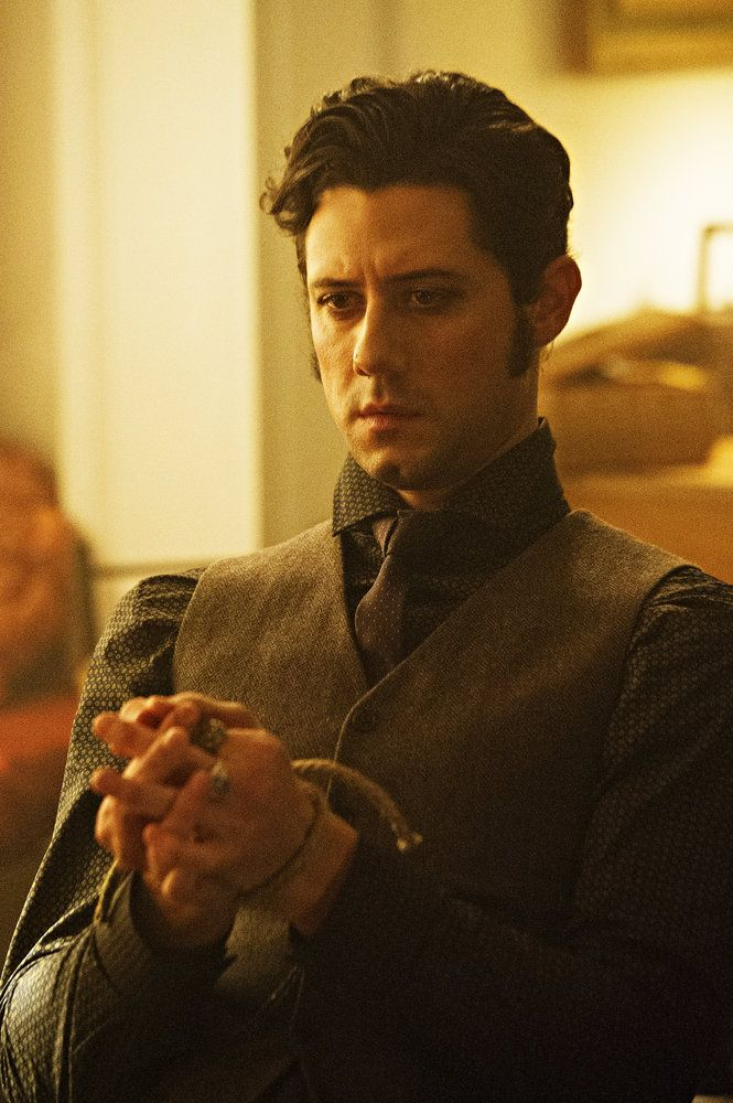 "THE MAGICIANS -- ""The Writing Room"" Episode 109 -- Pictured: Hale Appleton as Eliot -- (Photo by: Carole Segal/Syfy)"