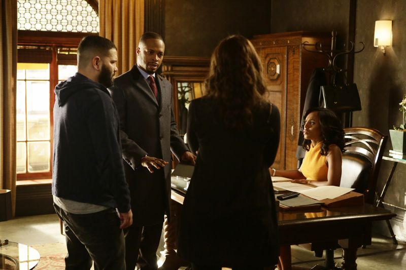 """SCANDAL - """"The Fish Rots From the Head"""" - Olivia and the team take on some embattled Secret Service agents. Meanwhile, Abby has her hands full trying to keep Fitz in line, and Jake begins to reveal a few secrets of his own, on an all-new """"Scandal,"""" THURSDAY MARCH 10 (9:00-10:00 p.m. EST) on the ABC Television Network. (ABC/Nicole Wilder) GUILLERMO DIAZ, CORNELIUS SMITH JR., KERRY WASHINGTON"""