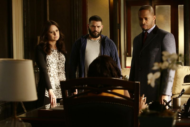 """SCANDAL - """"The Fish Rots From the Head"""" - Olivia and the team take on some embattled Secret Service agents. Meanwhile, Abby has her hands full trying to keep Fitz in line, and Jake begins to reveal a few secrets of his own, on an all-new """"Scandal,"""" THURSDAY MARCH 10 (9:00-10:00 p.m. EST) on the ABC Television Network. (ABC/Nicole Wilder) KATIE LOWES, GUILLERMO DIAZ, CORNELIUS SMITH JR."""