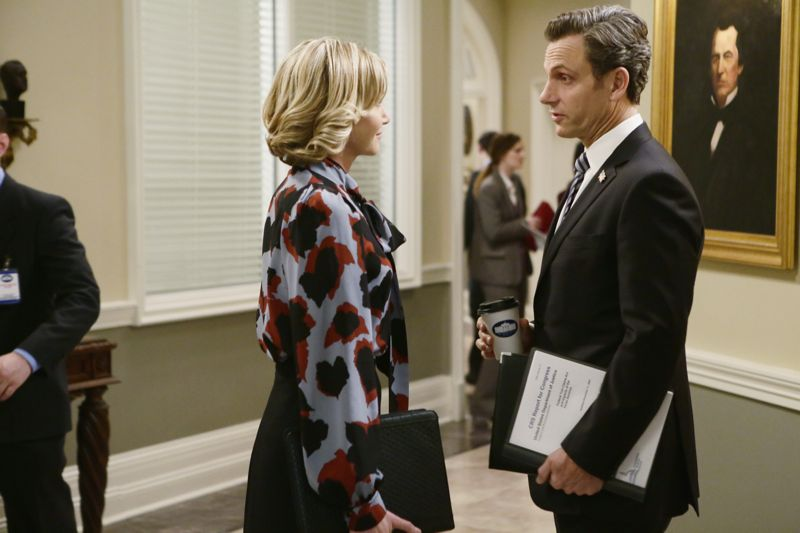 """SCANDAL - """"The Fish Rots From the Head"""" - Olivia and the team take on some embattled Secret Service agents. Meanwhile, Abby has her hands full trying to keep Fitz in line, and Jake begins to reveal a few secrets of his own, on an all-new """"Scandal,"""" THURSDAY MARCH 10 (9:00-10:00 p.m. EST) on the ABC Television Network. (ABC/Nicole Wilder) PORTIA DE ROSSI, TONY GOLDWYN"""