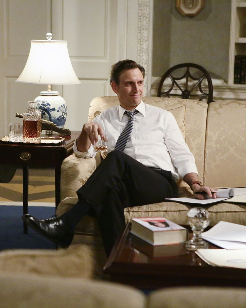"""SCANDAL - """"The Fish Rots From the Head"""" - Olivia and the team take on some embattled Secret Service agents. Meanwhile, Abby has her hands full trying to keep Fitz in line, and Jake begins to reveal a few secrets of his own, on an all-new """"Scandal,"""" THURSDAY MARCH 10 (9:00-10:00 p.m. EST) on the ABC Television Network. (ABC/Nicole Wilder) TONY GOLDWYN"""