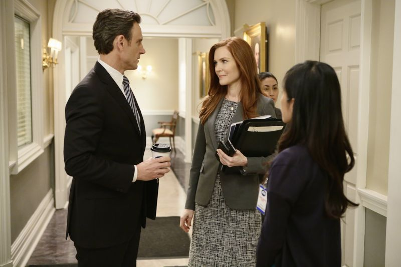 """SCANDAL - """"The Fish Rots From the Head"""" - Olivia and the team take on some embattled Secret Service agents. Meanwhile, Abby has her hands full trying to keep Fitz in line, and Jake begins to reveal a few secrets of his own, on an all-new """"Scandal,"""" THURSDAY MARCH 10 (9:00-10:00 p.m. EST) on the ABC Television Network. (ABC/Nicole Wilder) TONY GOLDWYN, DARBY STANCHFIELD"""