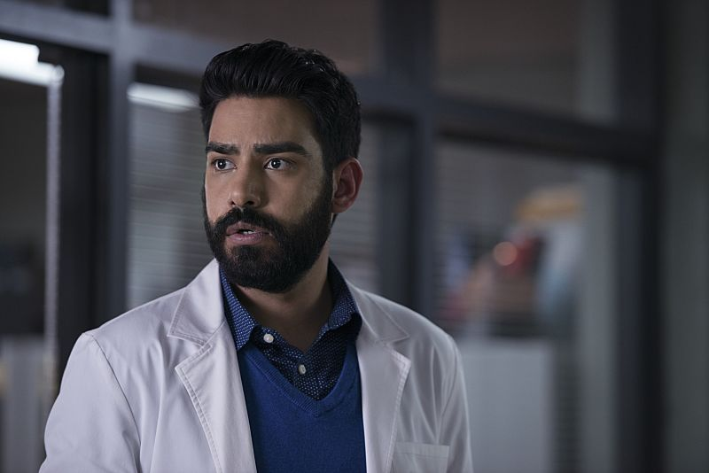 "iZombie -- ""He Blinded Me With Science"" -- Image Number: ZMB215b_0270.jpg -- Pictured: Rahul Kohli as Ravi -- Photo: Diyah Pera/The CW -- © 2016 The CW Network, LLC. All rights reserved."