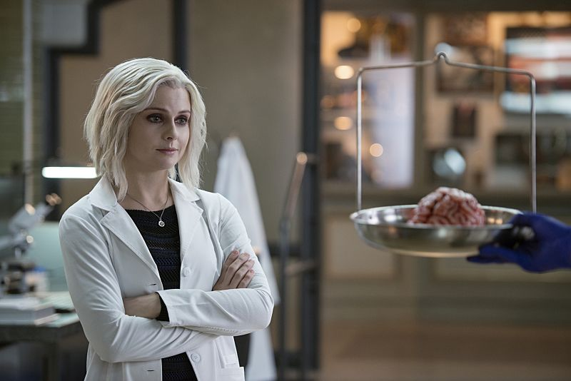 "iZombie -- ""He Blinded Me With Science"" -- Image Number: ZMB215b_0052.jpg -- Pictured: Rose McIver as Liv -- Photo: Diyah Pera/The CW -- © 2016 The CW Network, LLC. All rights reserved."