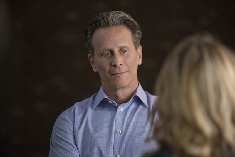 "iZombie -- Image Number: ZMB215a_0302.jpg -- ""He Blinded Me With Science"" -- Pictured (L-R): Steven Weber as Vaughn and Rose McIver as Liv (back to camera) -- Photo: Diyah Pera/The CW -- © 2016 The CW Network, LLC. All rights reserved."