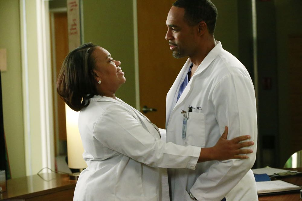 "GREY'S ANATOMY - ""Odd Man Out"" - Richard throws everyone for a loop when he switches the resident and attending pairings, and Arizona takes a huge risk on a woman who is pregnant with quadruplets.  Meanwhile, April is faced with a difficult decision, on ""Grey's Anatomy,"" THURSDAY, MARCH 17 (8:00-9:00 p.m. EDT) on the ABC Television Network. (ABC/Mitch Haaseth) CHANDRA WILSON, JASON GEORGE"