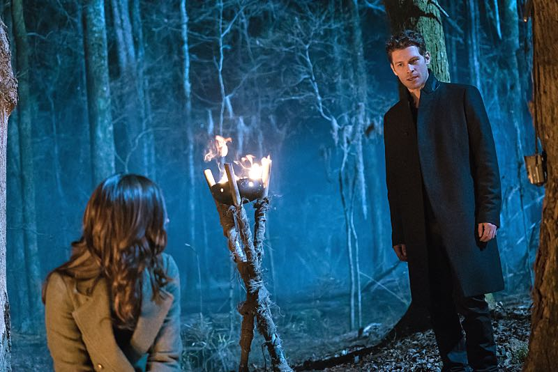 "The Originals -- ""Alone With Everybody"" -- Image Number: OG316b_0423.jpg -- Pictured (L-R): Phoebe Tonkin as Hayley and Joseph Morgan as Klaus -- Photo: Annette Brown/The CW -- © 2016 The CW Network, LLC. All rights reserved"