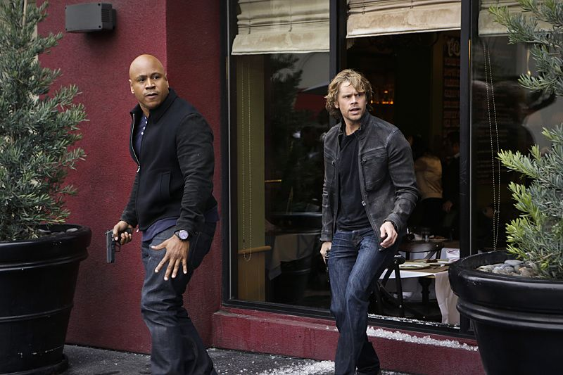 """""""Exchange Rate"""" -- Pictured: LL COOL J (Special Agent Sam Hanna) and Eric Christian Olsen (LAPD Liaison Marty Deeks). When a convicted Cuban spy escapes U.S. custody just before he is set to return to his country in a prisoner exchange, the team is shocked to learn that Anna (Bar Paly) helped him break out. Also, Deeks admits to Kensi that he thinks she is too messy, on NCIS: LOS ANGELES, Monday, March 14 (9:59-11:00 PM, ET/PT), on the CBS Television Network. Photo: Sonja Flemming/CBS ©2016 CBS Broadcasting, Inc. All Rights Reserved."""