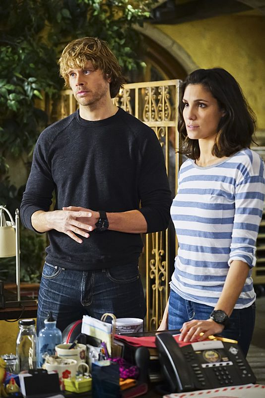 """""""Exchange Rate"""" -- Pictured: Eric Christian Olsen (LAPD Liaison Marty Deeks) and Daniela Ruah (Special Agent Kensi Blye). When a convicted Cuban spy escapes U.S. custody just before he is set to return to his country in a prisoner exchange, the team is shocked to learn that Anna (Bar Paly) helped him break out. Also, Deeks admits to Kensi that he thinks she is too messy, on NCIS: LOS ANGELES, Monday, March 14 (9:59-11:00 PM, ET/PT), on the CBS Television Network. Photo: Sonja Flemming/CBS ©2016 CBS Broadcasting, Inc. All Rights Reserved."""