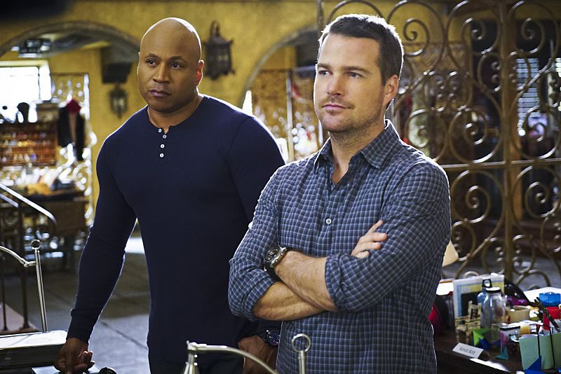"""""""Exchange Rate"""" -- Pictured: LL COOL J (Special Agent Sam Hanna) and Chris O'Donnell (Special Agent G. Callen). When a convicted Cuban spy escapes U.S. custody just before he is set to return to his country in a prisoner exchange, the team is shocked to learn that Anna (Bar Paly) helped him break out. Also, Deeks admits to Kensi that he thinks she is too messy, on NCIS: LOS ANGELES, Monday, March 14 (9:59-11:00 PM, ET/PT), on the CBS Television Network. Photo: Sonja Flemming/CBS ©2016 CBS Broadcasting, Inc. All Rights Reserved."""
