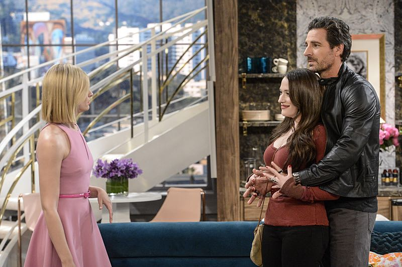 """And You Bet Your Ass"" -- Pictured: Caroline Channing (Beth Behrs), Max Black (Kat Dennings) and Randy (Ed Quinn). Caroline continues meeting with studio writers in an effort to make her life story into a movie, but she is torn when they reveal they would not portray Max in the project. Also, Max is being spoiled by her new Hollywood beau, Randy (Ed Quinn), who sets Caroline up on a date with his friend, Bob, on 2 BROKE GIRLS, Thursday, March 3 (9:30-10:00 PM, ET/PT) on the CBS Television Network. George Hamilton guest stars as Bob, a former studio mogul. Photo: Darren Michaels/Warner Bros. Entertainment Inc. © 2016 WBEI. All rights reserved."