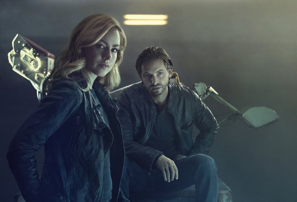 12 MONKEYS -- Season:2 -- Pictured: (l-r) Amanda Schull as Cassandra Railly, Aaron Stanford as James Cole -- (Photo by: Kurt Iswarlenko/Syfy)