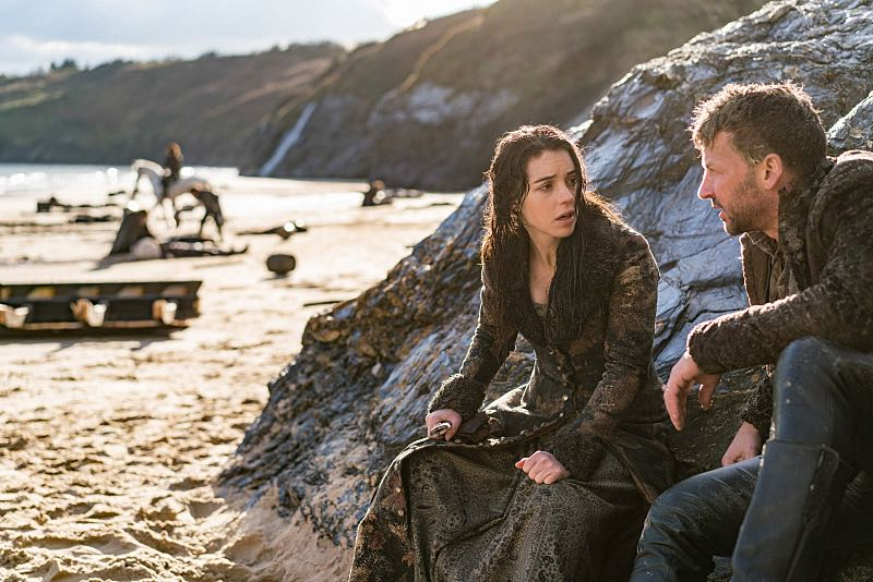 """Reign -- """"Clans"""" -- Image Number: RE316b_0129.jpg -- Pictured (L-R): Adelaide Kane as Mary, Queen of Scots and Craig Parker as Narcisse -- Photo: Bernard Walsh/The CW -- © 2016 The CW Network, LLC. All rights reserved."""