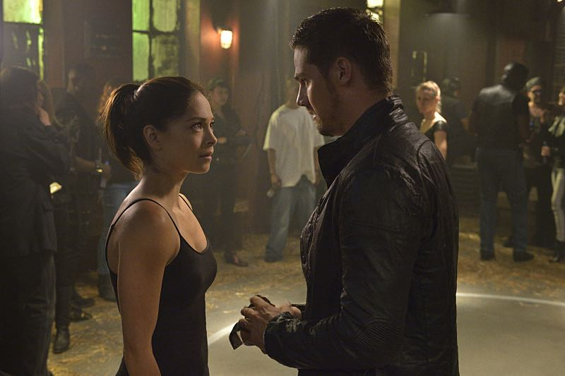 """Beauty and the Beast -- """"Down for the Count"""" -- Image Number: BB403b_0102.jpg -- Pictured (L-R): Kristin Kreuk as Catherine and Jay Ryan as Vincent -- Photo: Ben Mark Holzberg/The CW -- © 2016 The CW Network. All Rights Reserved."""