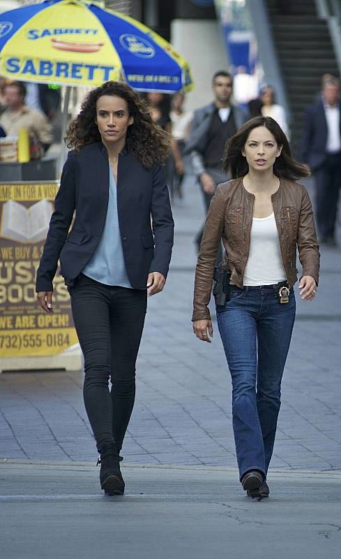 "Beauty and the Beast -- ""Beast Interrupted"" -- Image Number: BB402b_0079.jpg -- Pictured (L-R): Nina Lisandrello as Tess and Kristin Kreuk as Catherine -- Photo: Sven Frenzel/The CW -- © 2016 The CW Network. All Rights Reserved."