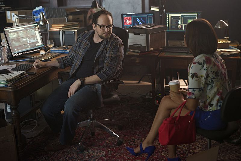 "Beauty and the Beast -- ""Monsieur et Madame Bete"" -- Image Number: BB401a_0010.jpg ó Pictured (L-R): Austin Basis as JT and Nicole Gale Anderson as Heather -- Photo: Sven Frenzel/The CW -- © 2016 The CW Network. All Rights Reserved."
