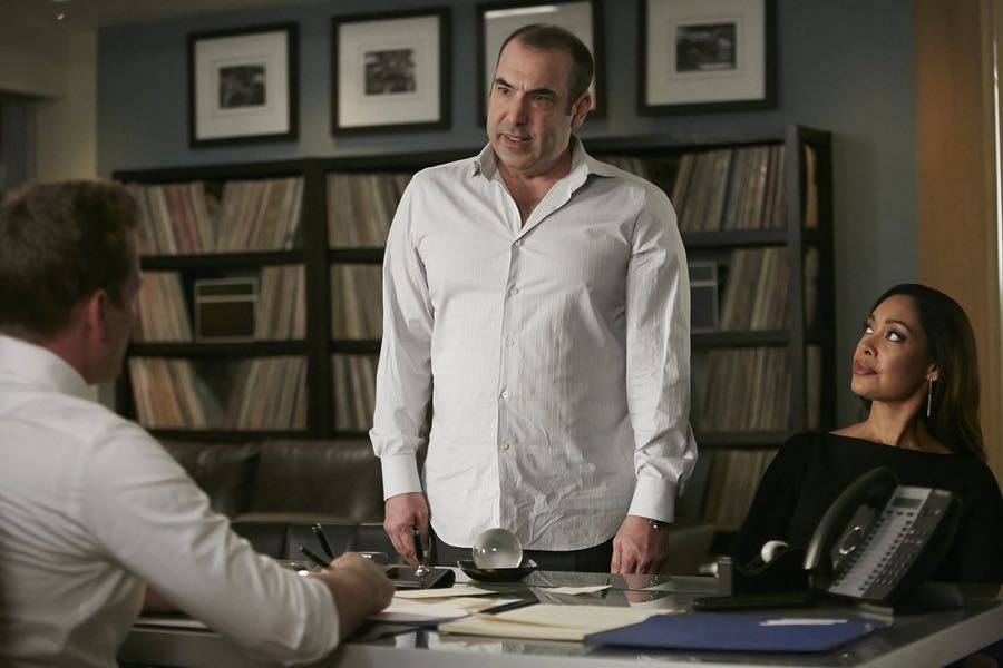 SUITS -- Episode 601 -- Pictured: (l-r) Rick Hoffman as Louis Litt, Gina Torres as Jessica Pearson -- (Photo by: Ian Watson/USA Network)