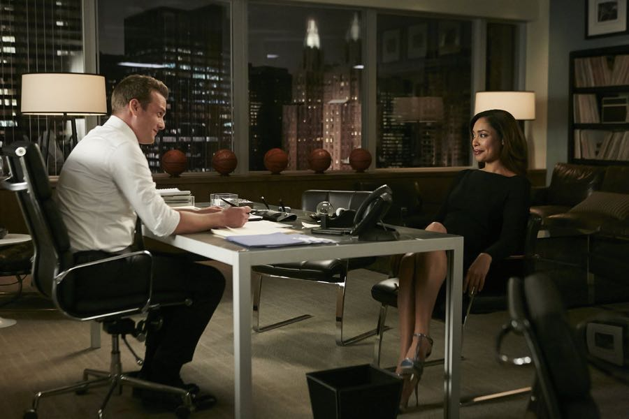 SUITS -- Episode 601 -- Pictured: (l-r) Gabriel Macht as Harvey Specter, Gina Torres as Jessica Pearson -- (Photo by: Ian Watson/USA Network)