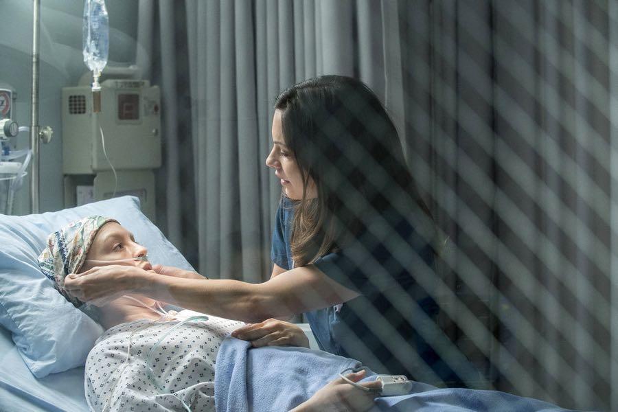 "THE NIGHT SHIFT-- ""Get Busy Living"" Episode 305 -- Pictured: (l-r) Carla Gallo as Hannah, Jill Flint as Dr. Jordan Alexander -- (Photo by: John Britt/NBC)"