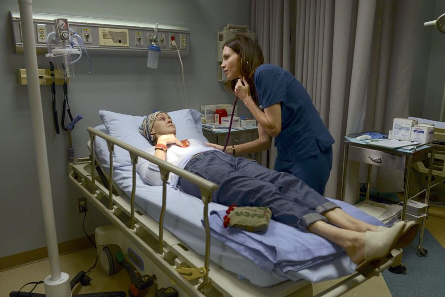 """THE NIGHT SHIFT-- """"Get Busy Living"""" Episode 305 -- Pictured: (l-r) Carla Gallo as Hannah, Jill Flint as Dr. Jordan Alexander -- (Photo by: Ursula Coyote/NBC)"""