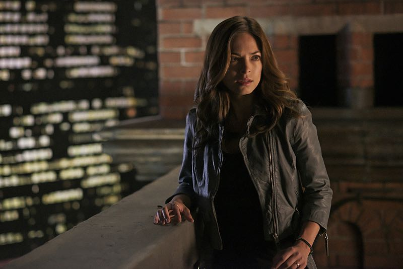 """Beauty and the Beast -- """"It's A Wonderful Beast"""" -- Image Number: BB405a_0142.jpg -- Pictured: Kristin Kreuk as Catherine -- Photo: Sven Frenzel/The CW -- © 2016 The CW Network, LLC. All rights reserved."""