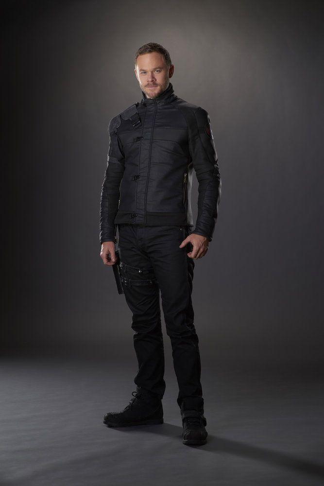KILLJOYS -- Season:2 -- Pictured: Aaron Ashmore as John -- (Photo by: Steve Wilkie/Syfy/Killjoys II Productions Limited)