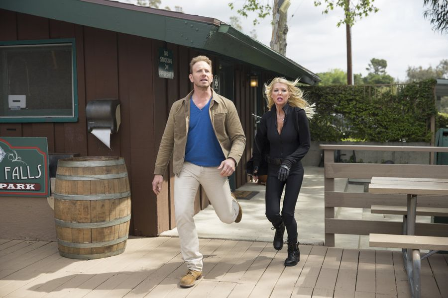 SHARKNADO: THE 4TH AWAKENS -- Pictured: (l-r) Ian Ziering as Fin Shepard, Tara Reid as April Shepard -- (Photo by: Tyler Golden/Syfy)