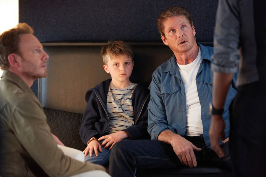 SHARKNADO: THE 4TH AWAKENS -- Pictured: (l-r) Ian Ziering as Fin Shepard, Christopher and Nicholas Shone as Little Gil, David Hasselhoff as Gil Shepard -- (Photo by: Tyler Golden/Syfy)