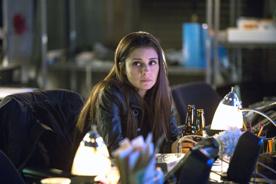 Shiri Appleby stars in Season 2 of Lifetime's hit drama UnREAL airing, Monday, June 27th at 10pm ET/PT on Lifetime. Photo by James Dittiger Copyright 2016